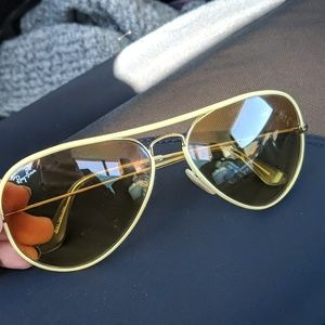Ray ban aviator yellow lens sunglasses